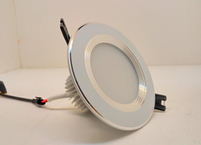 Đèn LED âm trần đế dày