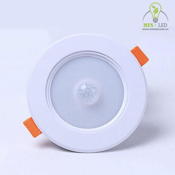 Ưu điểm của đèn led âm trần cảm biến