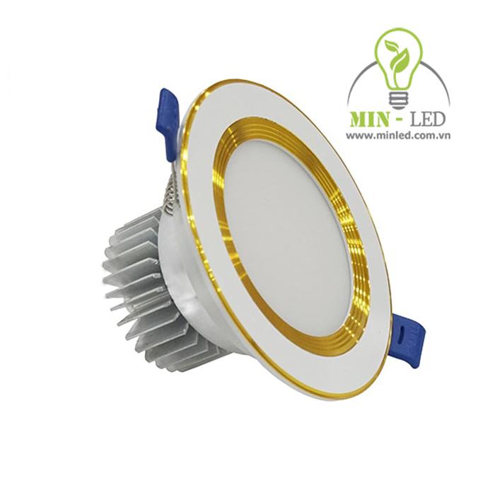 Đèn Led âm trần phi 90 có 2 loại là viền vàng và viền trắng1