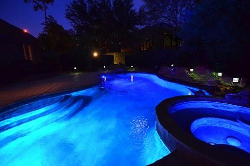 Đèn LED hồ bơi