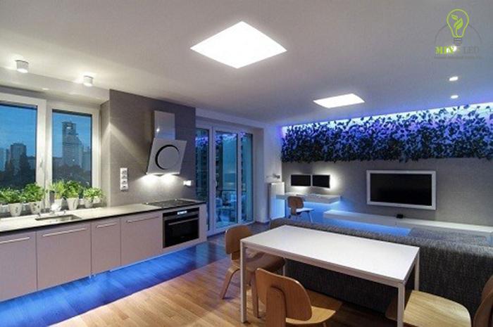 Đèn LED âm trần vuông 18W có thể kết hợp với các dòng đèn âm trần khác 1