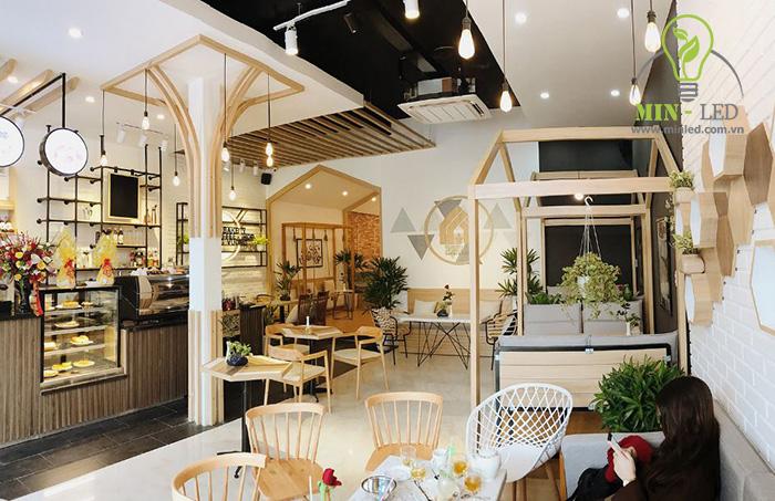 Ấn tượng về nguồn sáng trang trí quán cafe đẹp - 1
