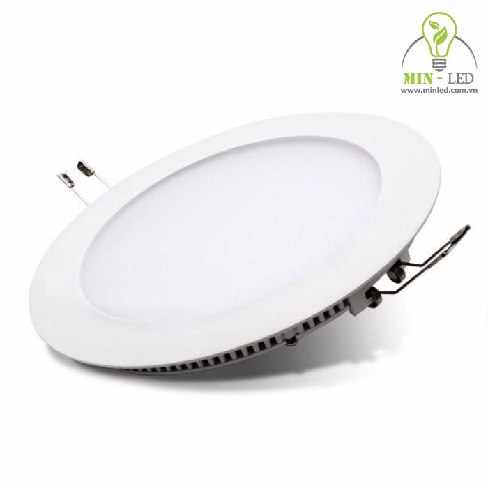 Với sự mỏng nhẹ, cấu tạo chắc chắn - đèn LED Philips 12w thích hợp với nhiều không gian sử dụng - 1