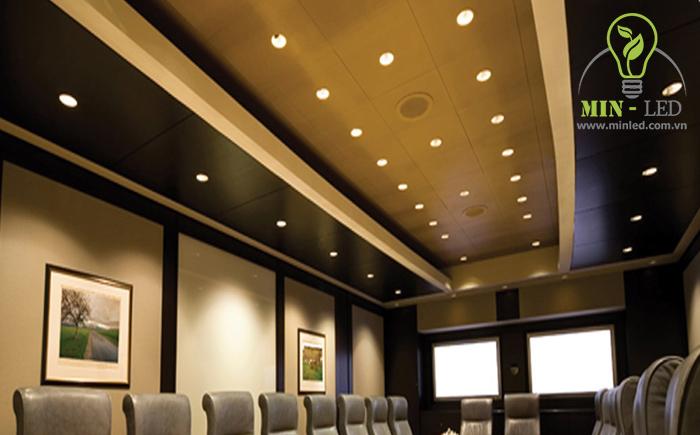Đèn LED âm trần 12W ứng dụng trong phòng họp
