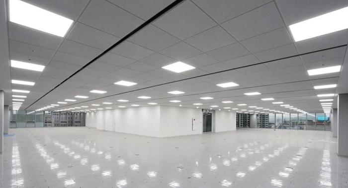 Khu vực nhà xưởng ứng dụng loại đèn âm trần 600x600 Rạng Đông
