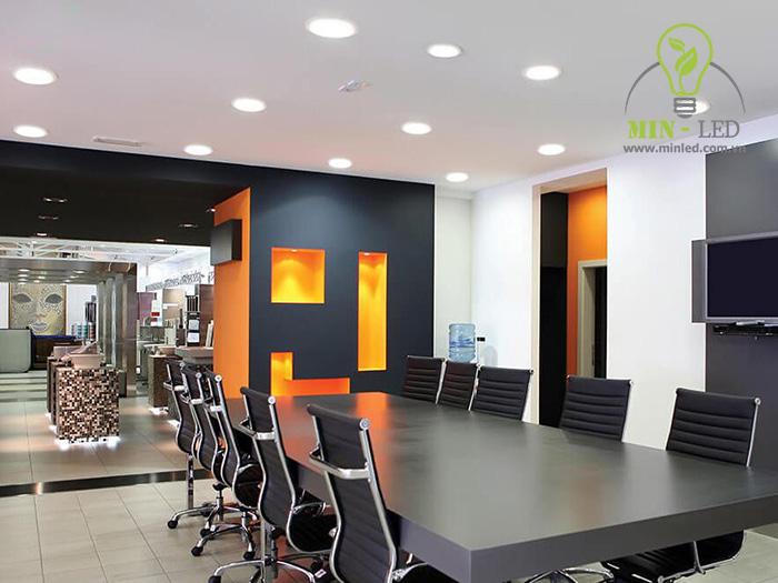 Đèn LED ốp trần tròn Rạng Đông 9W cấu tạo bền chắc đạt độ thẩm mỹ tối ưu -1