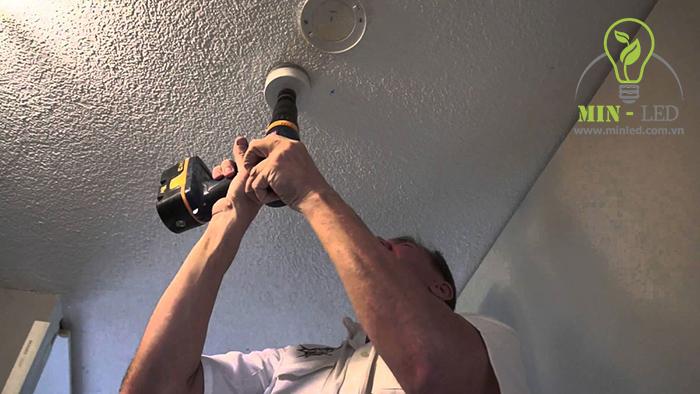 Bạn cần phải đảm bảo an toàn khi lắp đặt đèn LED nhé - 1