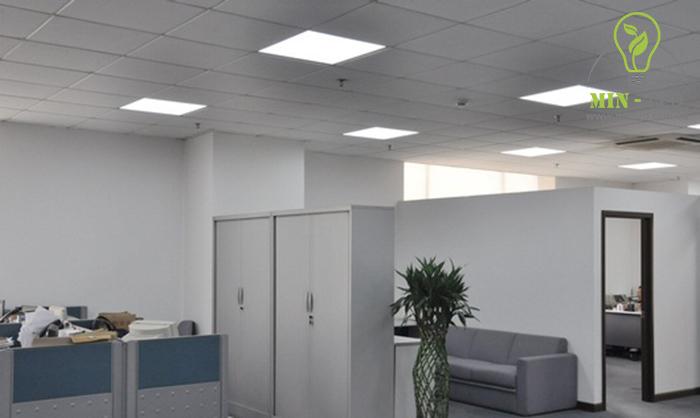 Đèn LED panel Rạng Đông vuông sở hữu nhiều ưu điểm chiếu sáng cho không gian có diện tích lớn -1