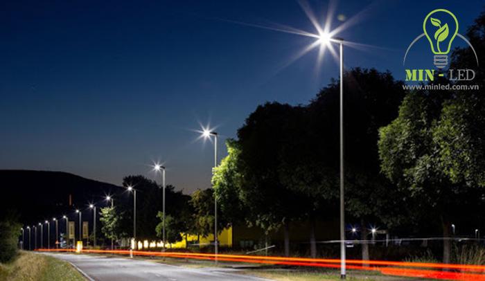 Đèn đường chiếu sáng công suất lớn Rạng Đông sở hữu nhiều tính năng ưu việt -1