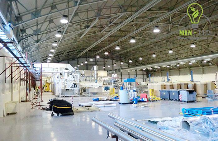 Đèn LED nhà xưởng Philips cho ánh sáng chân thực rõ nét -1