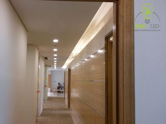 Đèn LED ốp trần Rạng Đông tròn mỏng cảm biến thiết kế tinh tế đạt độ thẩm mỹ cao