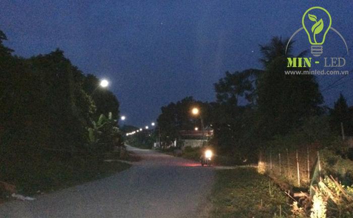 Đèn đường LED Rạng Đông chiếu sáng từng con ngõ nhỏ -1