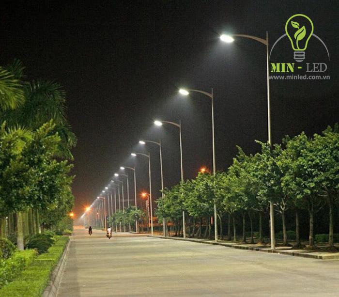 Đèn đường LED Rạng Đông chiếu sáng rõ nét -1