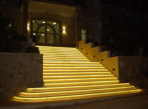 LED dây chiếu sáng bậc cầu thang tăng tính thẩm mỹ -1