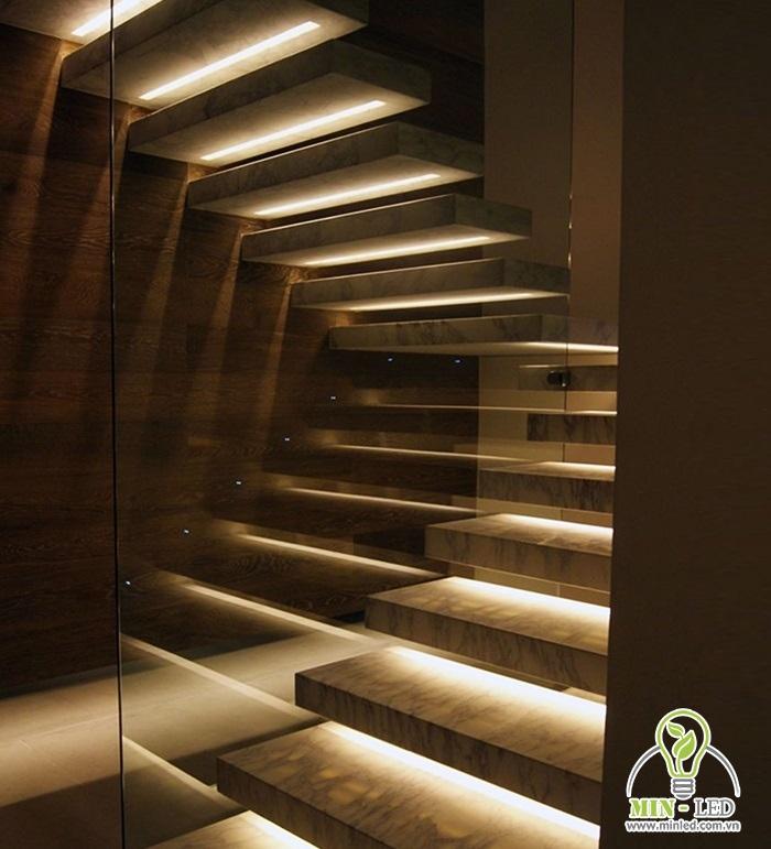 Sử dụng để lắp đặt chiếu sáng và trang trí cho cầu thang