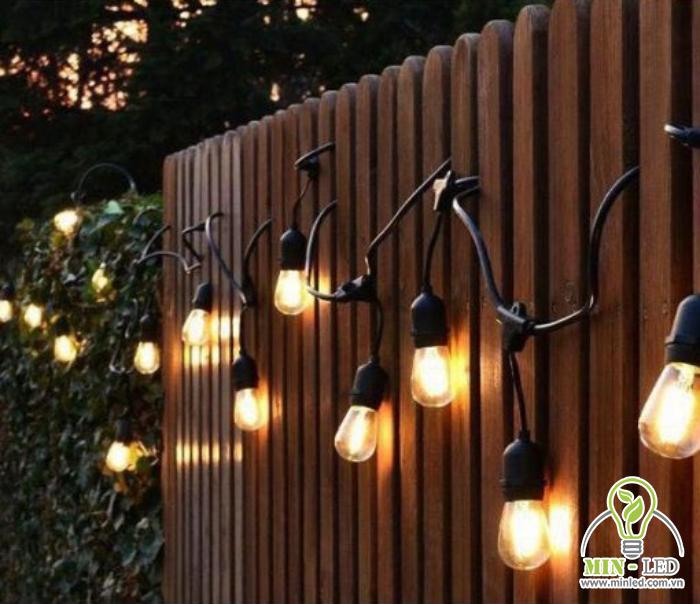 Thiết kế đèn LED trang trí treo trên hàng rào, tường