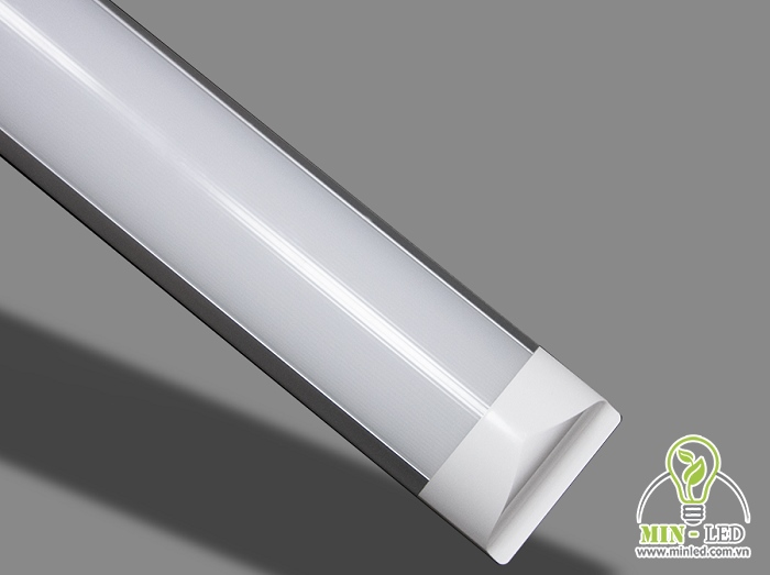 Đèn có cấu tạo 4 phần nhưng phần vỏ đèn được thiết kế khác biệt so với đèn tuýp thông thường