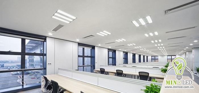 Loại đèn này được ứng dụng rộng rãi cho cả nhà ở dân dụng và văn phòng...