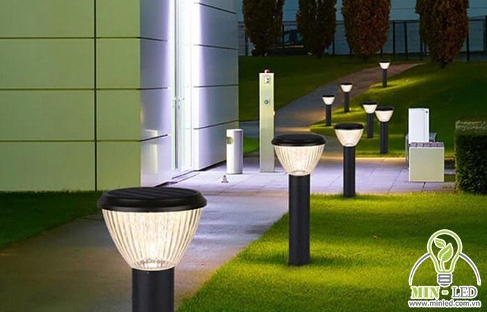 Lối đi lại sẽ thích hợp nhất là sử dụng đèn trụ LED chiếu sáng