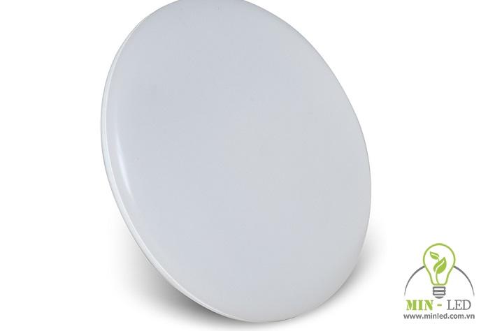 Mẫu đèn LED có cấp độ bảo vệ cao IP44, rất thích hợp cho nhà vệ sinh, nhà tắm