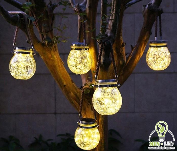 Đèn LED hình quả cầu trang trí ngoài trời, đem đến vẻ đẹp ấm cúng và lãng mạn cho không gian