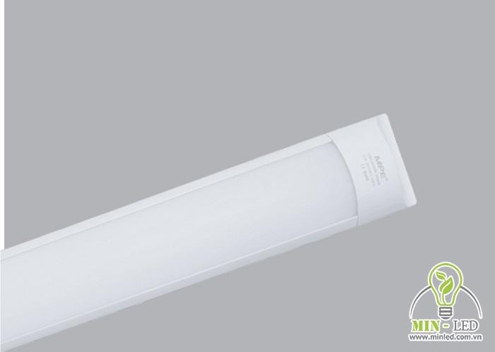 Mẫu đèn này có kiểu dáng tối giản, thiết kế chống va đập rất tốt