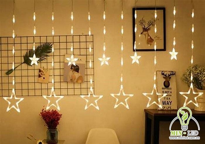 Đèn LED trang trí phòng ngủ treo hình sao tạo vẻ đẹp lãng mạn cho phòng ngủ được rất nhiều người lựa chọn